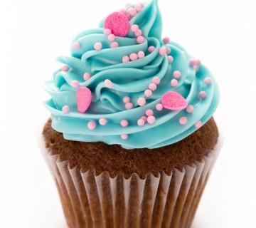 modra mini tortica s srčki