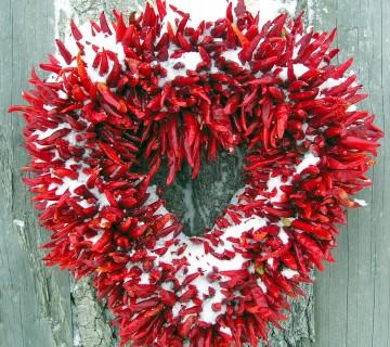 venček iz čilijev v obliki srca
