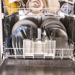 poln pomivalni stroj čiste posode