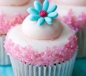 mini tortica s cvetom
