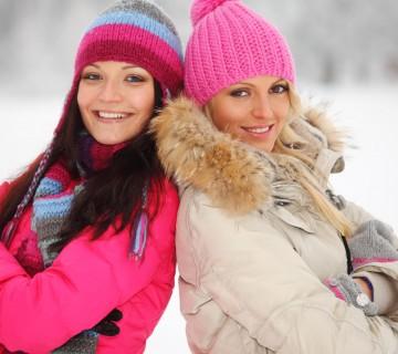 toplo oblečeni ženski