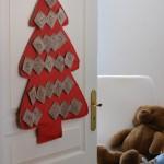 adventni venčki in koledarji - koledar na vratih