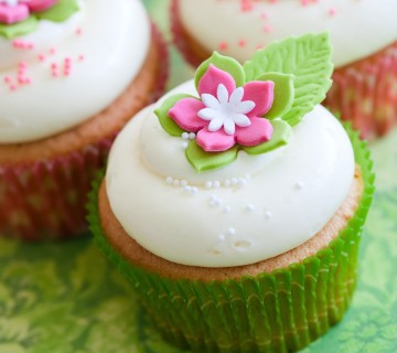mini tortica z rožico