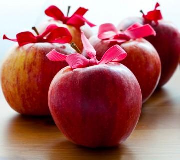 jabolka s pentljicami