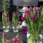vaze s tulipani