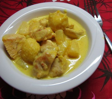 piščanec z ananasom