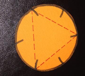 krog z vrisanim trikotnikom