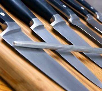 set nožev