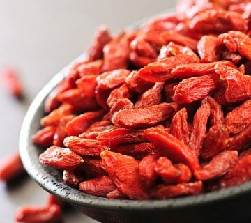suhe goji jagode v skodelici