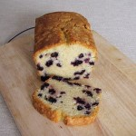 kolač in odrezana rezina kolača
