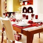 miza, okrašena za božično večerjo