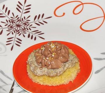 tanjina orehova tortica na krožniku