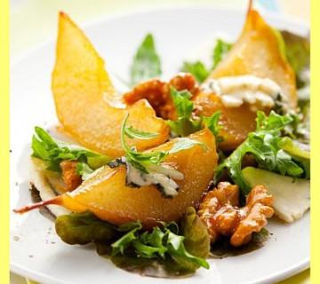 solata s hruško in gorgonzolo