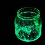 svetleč kozarec