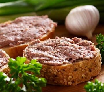 pašteta na kruhu