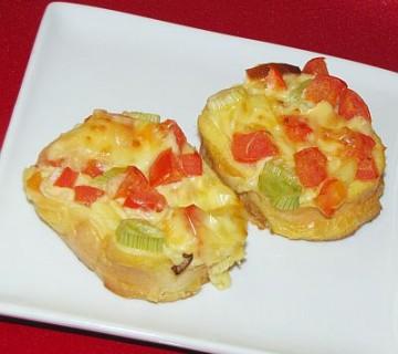 kruhki s sirom in paradižnikom