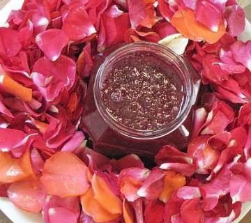 marmelada iz temno rdečih vrtnic