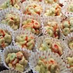 medeni krogci v beli čokoladi