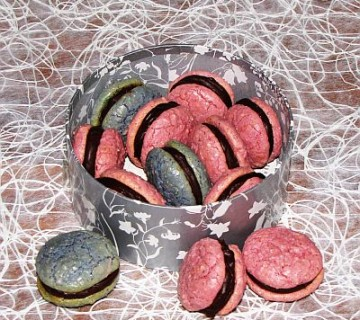 mandljevi piškoti s čokoladnim nadevom wannabe macaroons