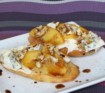 kruhki s kakijem in sirom